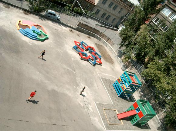 Playgrounds & Toys at John Kirakossian School, Yerevan, Armenia, 2003. Playgrounds by Stefano Boccalini, Andreas Angelidakis and Fabrice Gygi (from left to right)